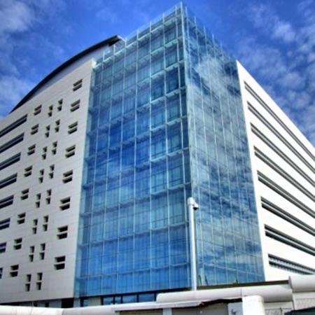 Venakal edificios. Aluminio y PVC